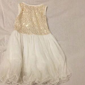 Dresses - Party dress 5T